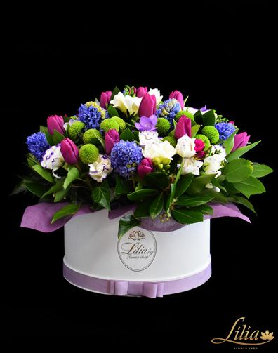 Luxury box with freesia, tulip and hyacinth.